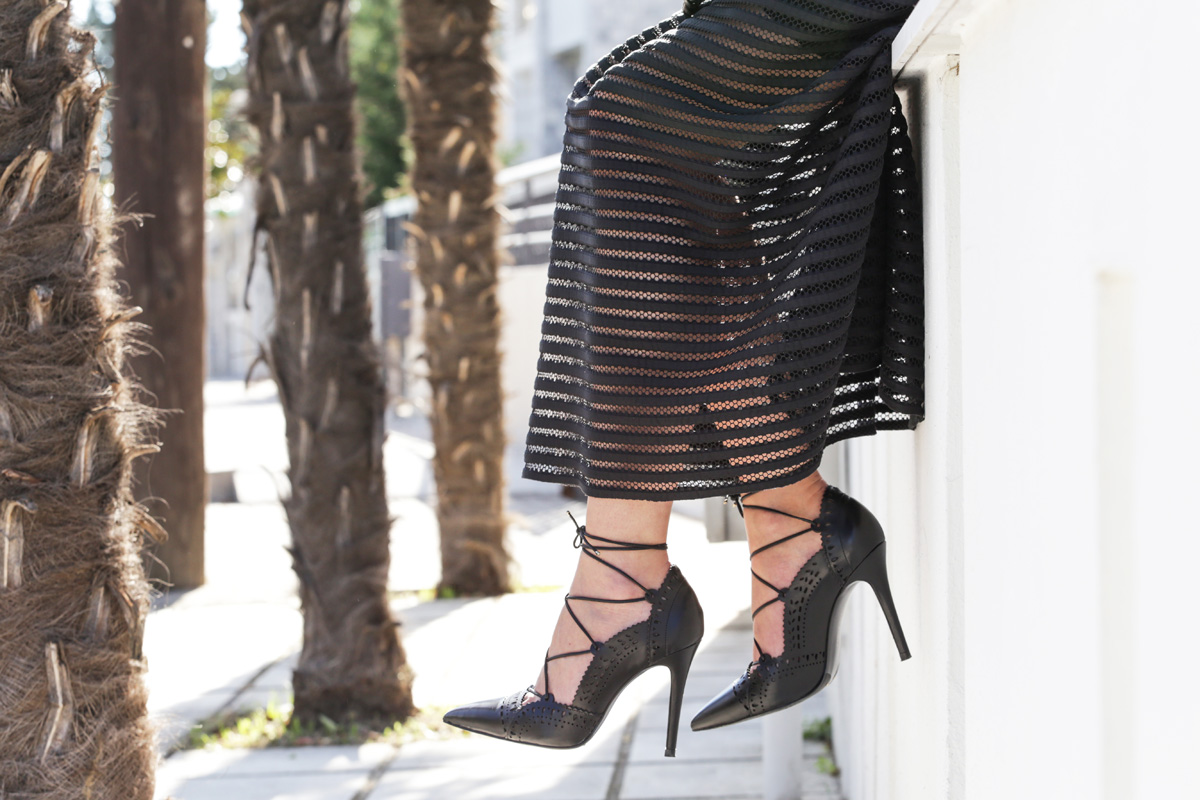 black lace up pumps
