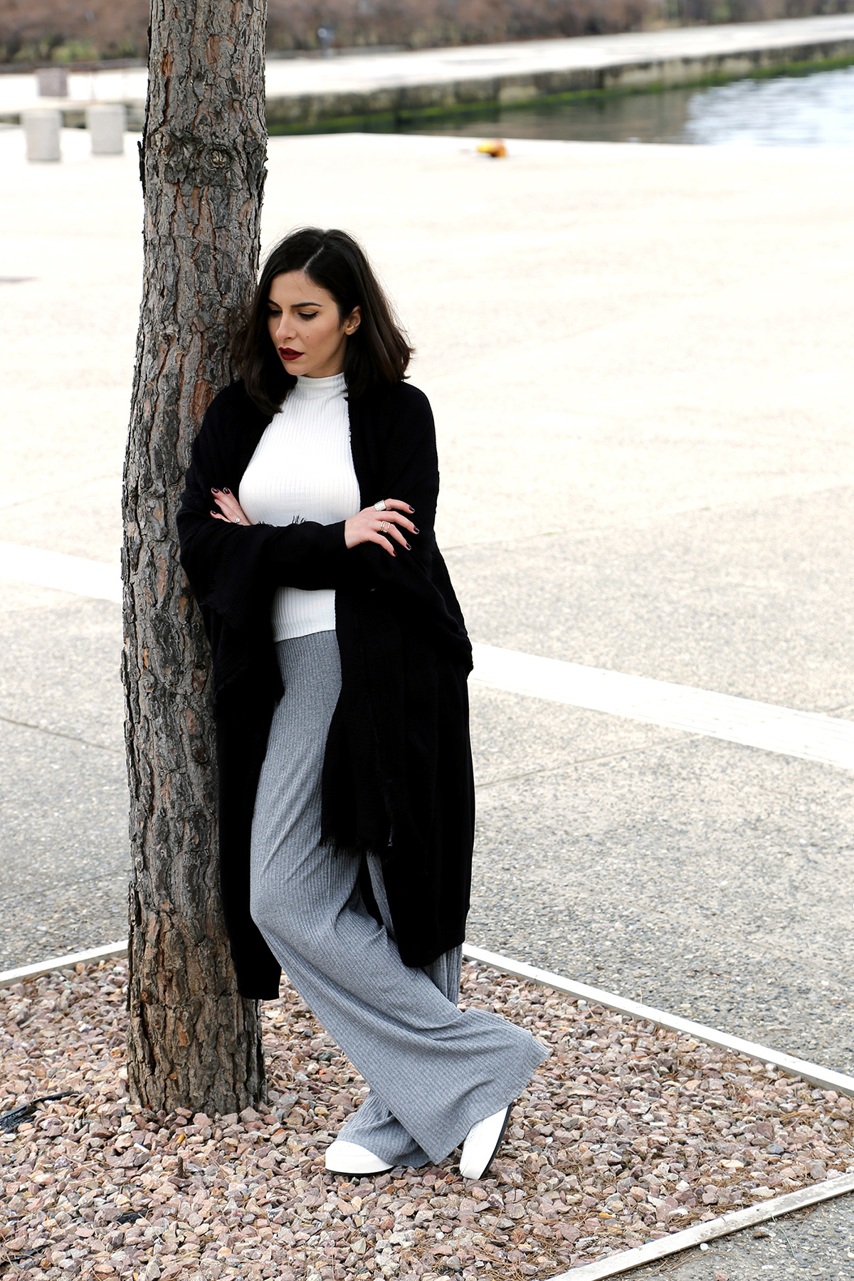 casual black grey white look