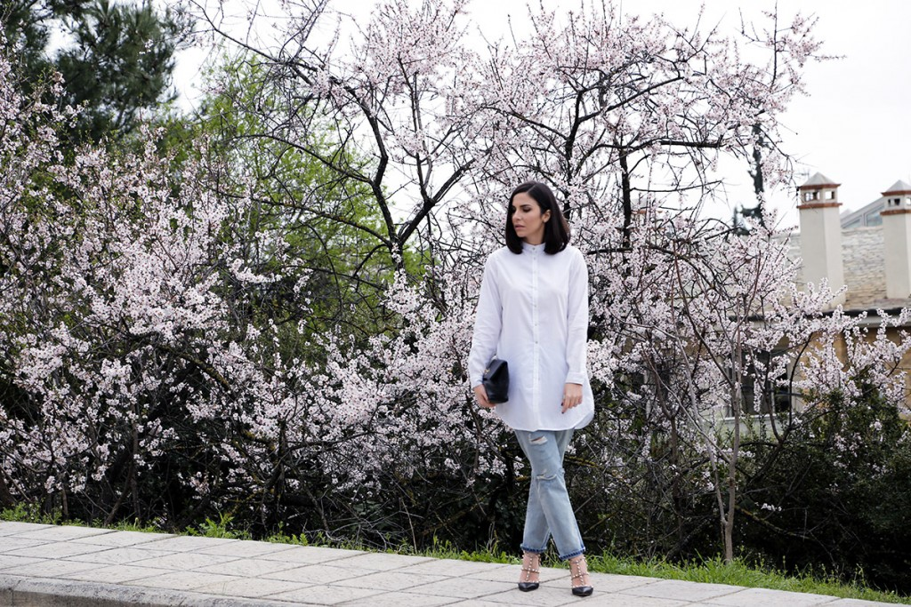 In Bloom – White Shirt & Jeans