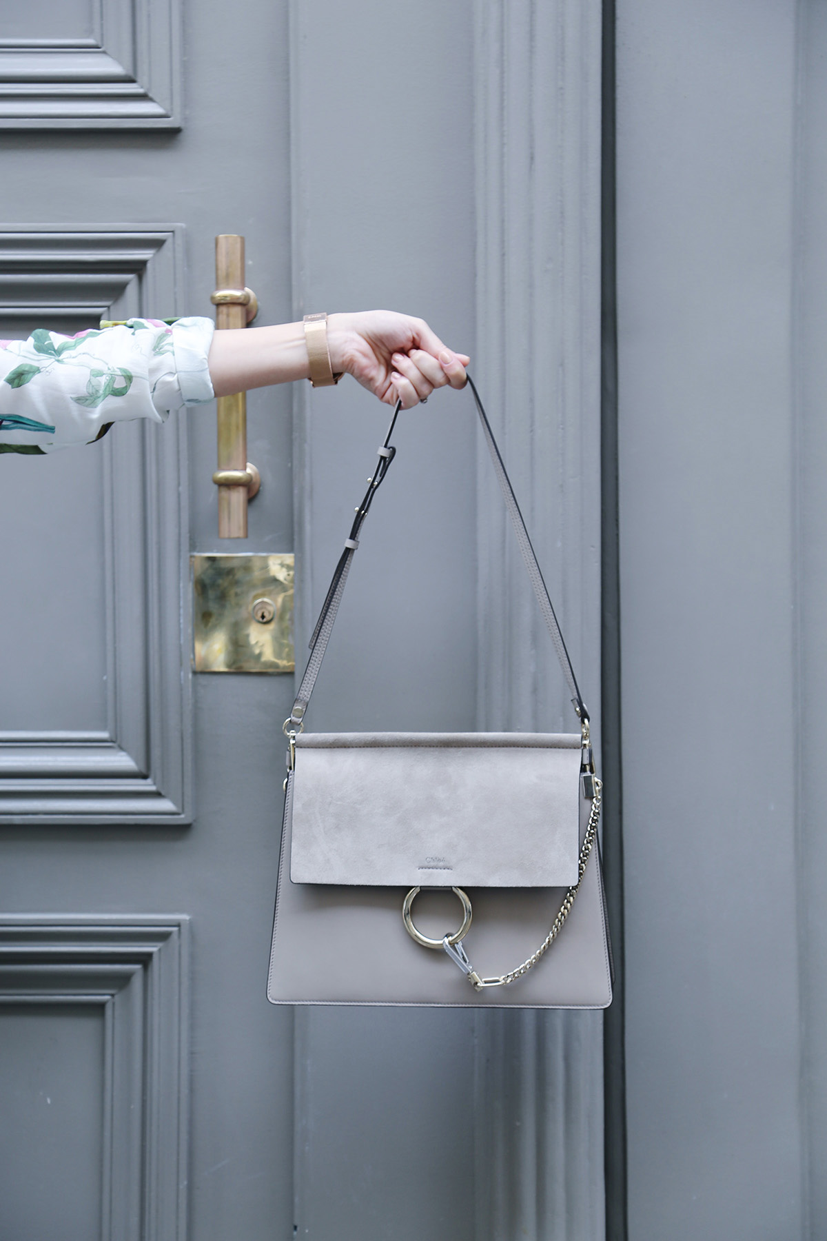 chloe faye bag motto grey