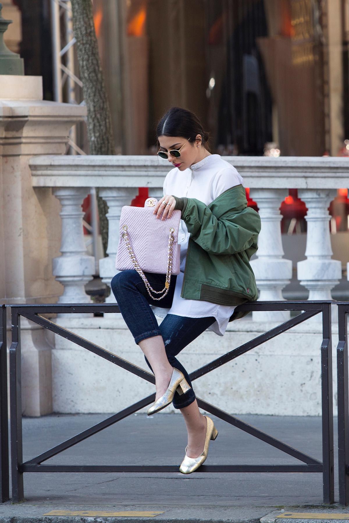 Stella Asteria - Fashion & Lifestyle Blogger wearing khaki bomber jacket and pink Chanel bag