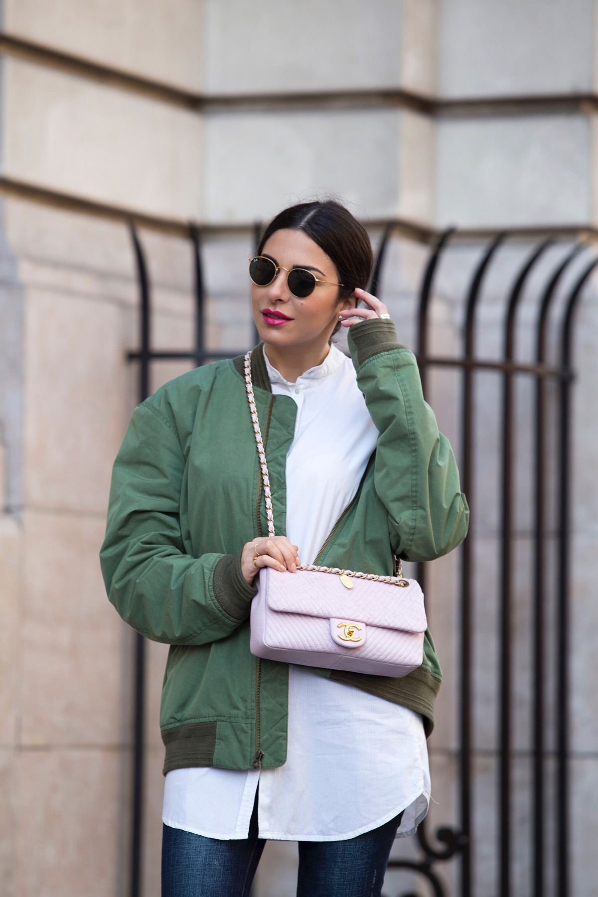 Stella Asteria - Fashion & Lifestyle Blogger wearing khaki bomber jacket and pink Chanel bag