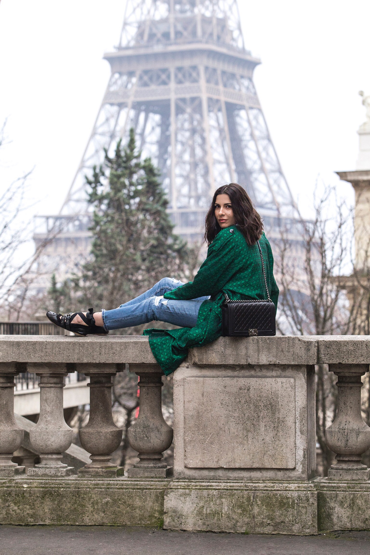 Stella Asteria Fashion & Lifestyle blogger wearing green trench coat & Miu Miu ballerinas