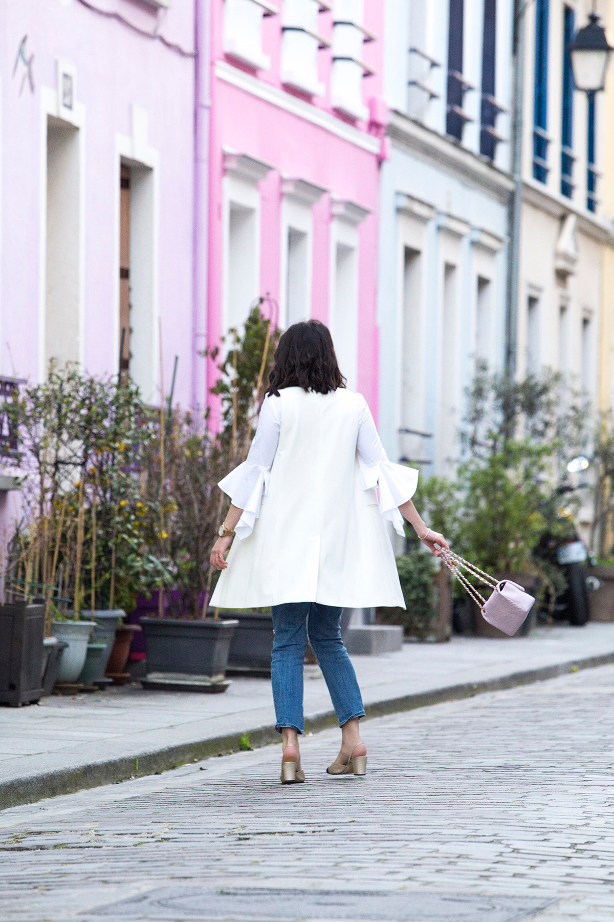 Stella Asteria - Fashion & Lifestyle Blogger wearing statement sleeves
