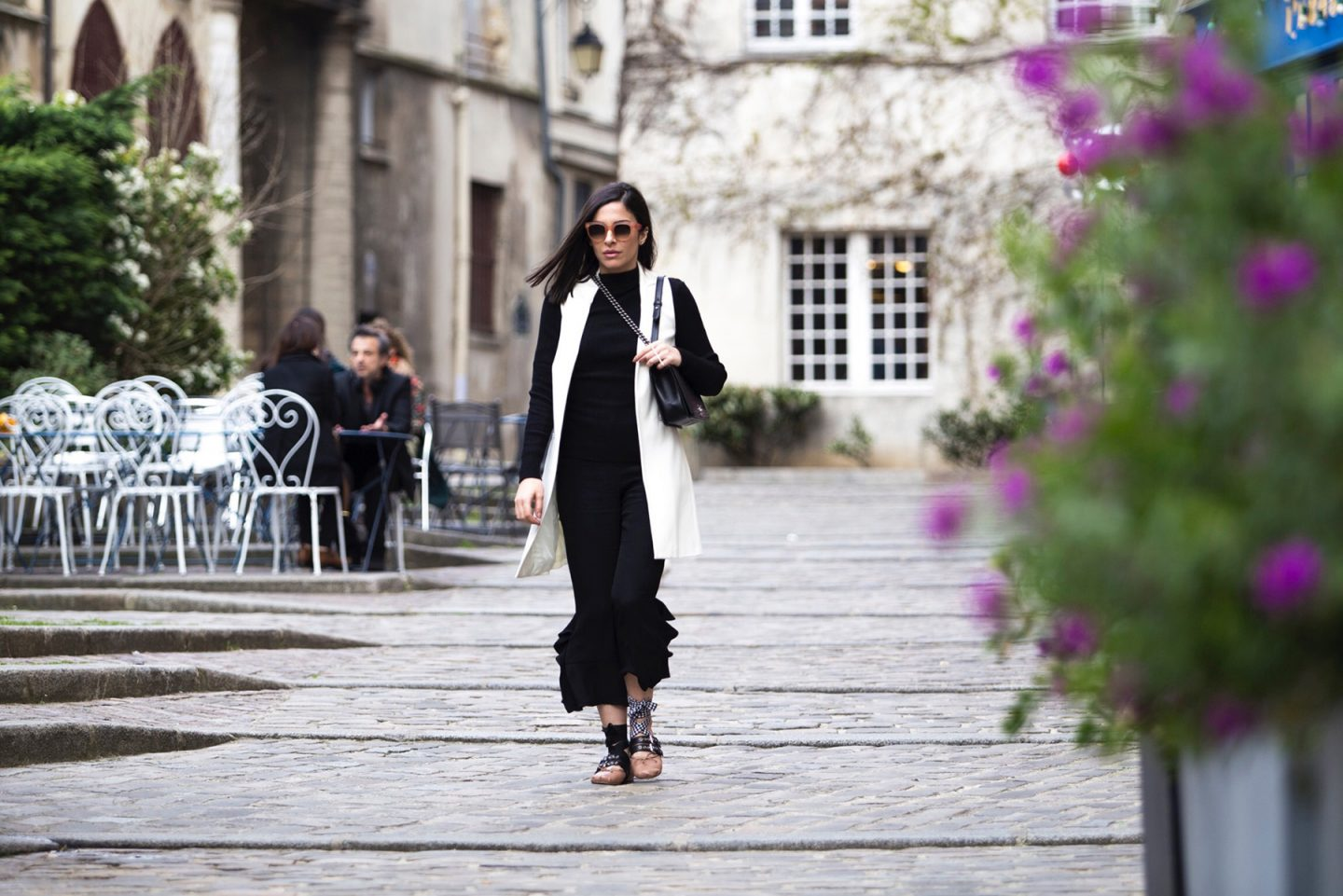 Black And White Casual Chic Streetstyle