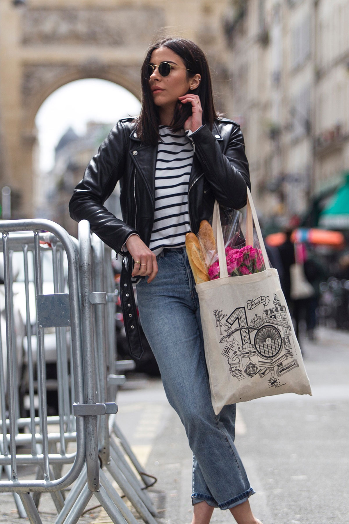 French style outfit with breton stripe top & jeans by Stella Asteria | Fashion & Lifestyle Blogger