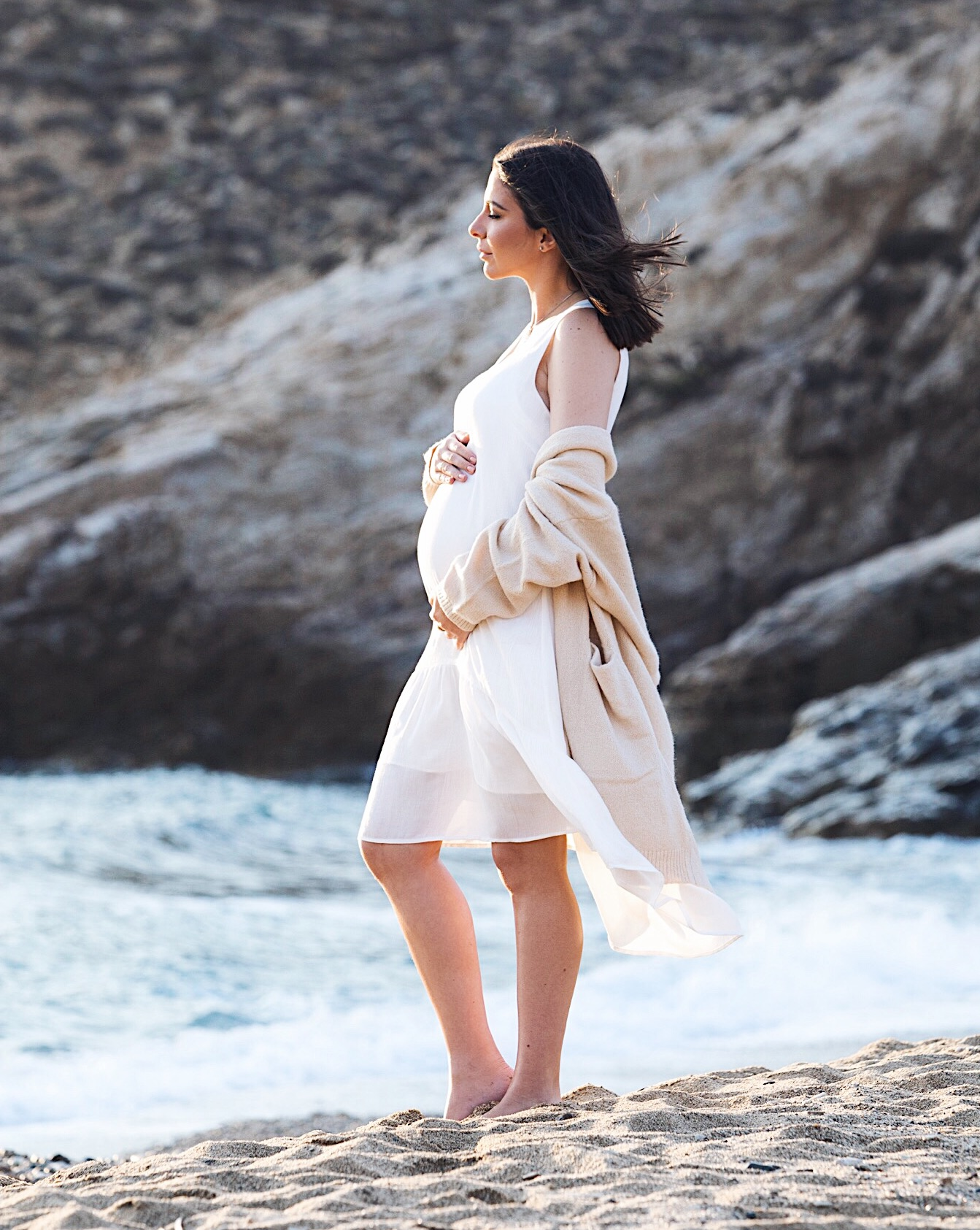 Stella Asteria Fashion & Lifestyle Blogger - pregnant photo