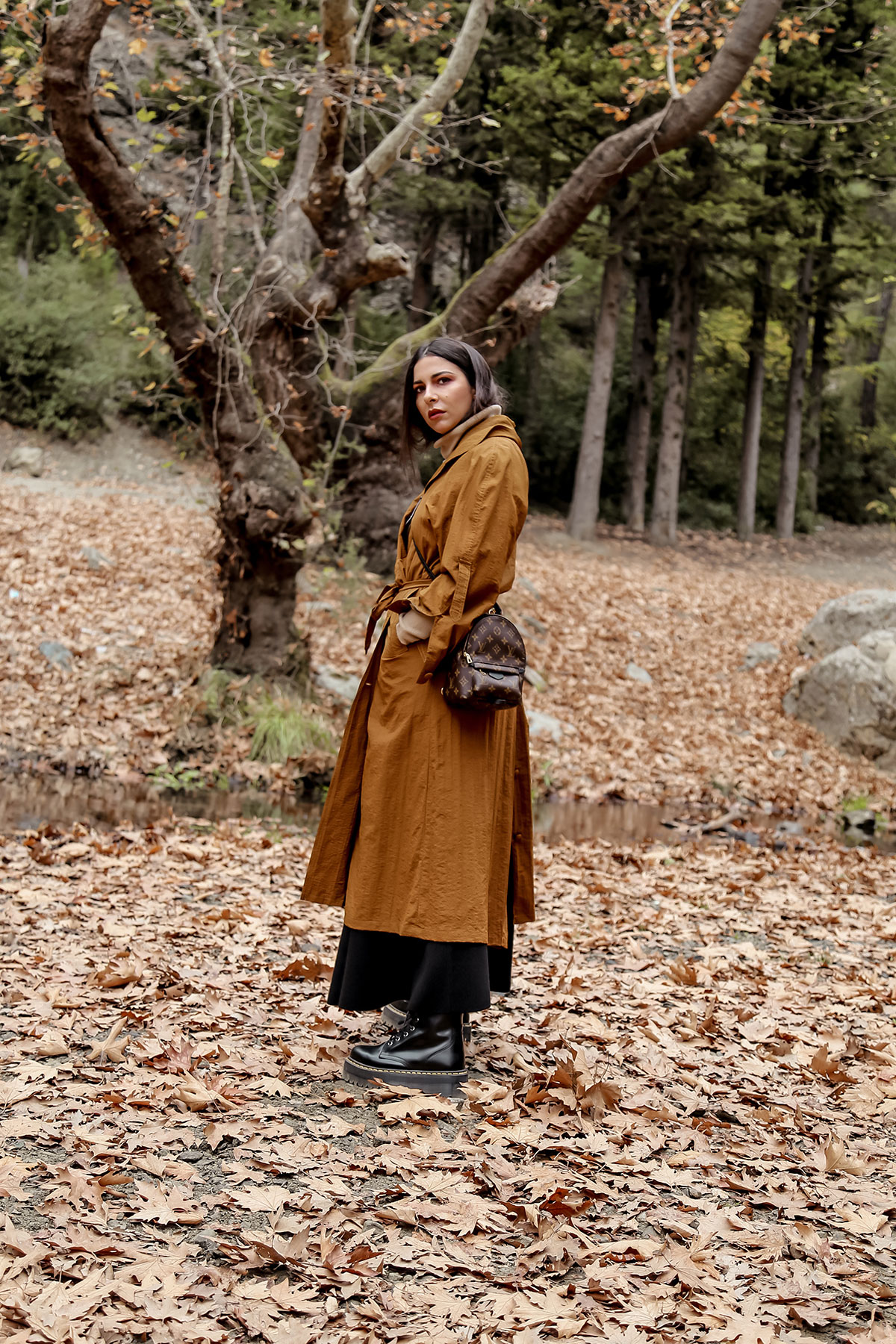 favourite fall wardrobe staples by Stella Asteria - wearing turtleneck sweater with knit skirt and Dr Martens boots, vintage trench coat