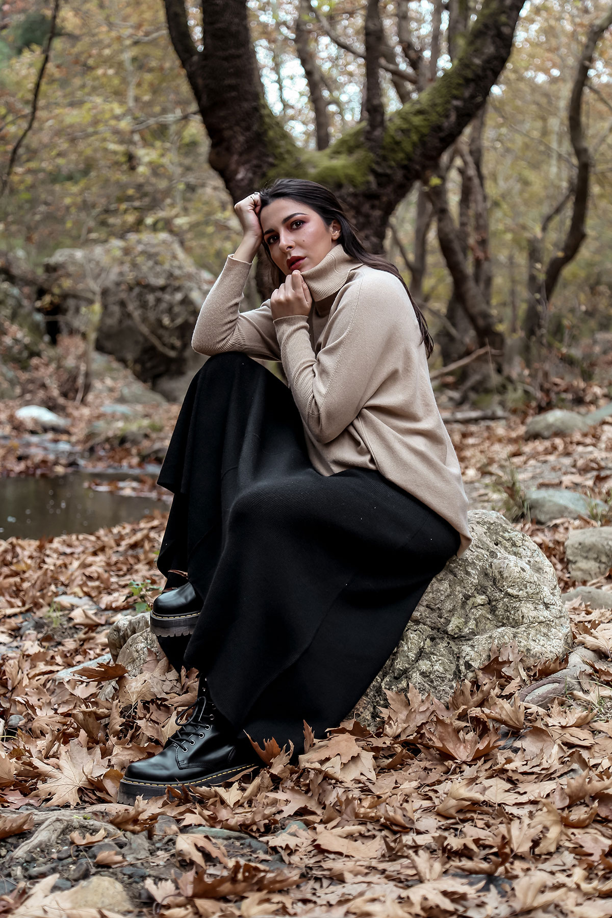 Fall Fashion - favourite fall wardrobe staples by Stella Asteria - wearing turtleneck sweater with knit skirt and Dr Martens boots